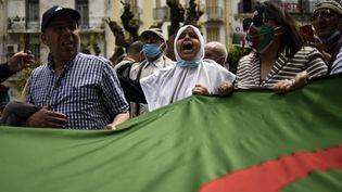 Manifestation antigouvernementale à Alger, le 30 avril 2021. (RYAD KRAMDI / AFP)