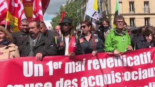 Les manifestants pacifiques du 1er-Mai mobilisés par les syndicats étaient entre 143 500 et 210 000 sur tout le territoire. Des syndicats qui manifestaient en ordre dispersé, comme souvent le 1er-Mai. (France 2)