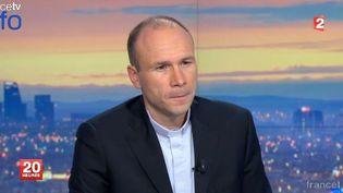 Le père Georges Vandenbeusch, sur le plateau du 20h de France 2, le 1er janvier 2014. ( FRANCE 2 / FRANCETV INFO)