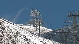 Pour la première fois depuis 40 ans, le ski est impossible aux Deux-Alpes. (FRANCE 3)