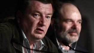 """Aki Kaurismäki et Jean-Pierre Daroussin à Cannes pour """"Le Havre"""", en mai 2011. Le film a obtenu le prix Louis Delluc  (Guillaume Baptiste / AFP)"""