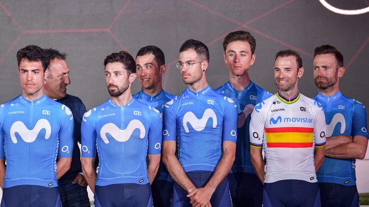 L'équipe Movistar se présente au départ du Tour de France avec Alejandro Valverde. (GIUSEPPE CACACE / AFP)