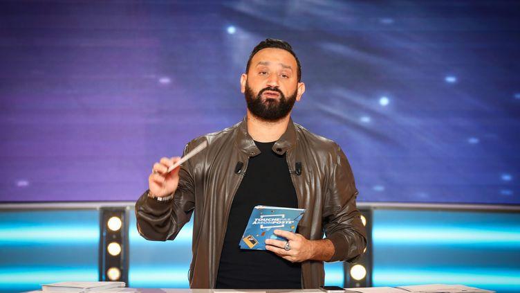 """L'animateur Cyril Hanouna sur le plateau d'une autre de ses émissions sur C8, """"Touche pas à mon poste"""", le 6 novembre 2018. (MAXPPP)"""