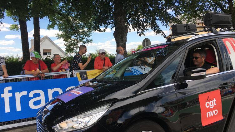 La voiture de la CGTlors de la quatrième étape entre Mondorf-les-Bains (Luxembourg) et Vittel (Vosges) du Tour de France, le 4 juillet 2017. (RAPHAEL GODET / FRANCEINFO)