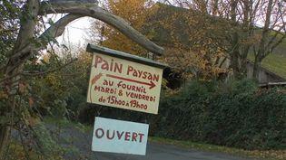 Dans cet épisode du feuilleton de France 2, direction l'Orne où un couple fait du pain grâce à un savoir-faire ancestral. (FRANCE 2)