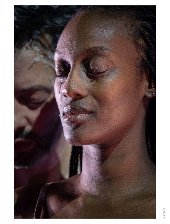 """Nancy Nkusi dans """"La dernière nuit du monde"""" (© KURT VAN DER ELST   KVDE.BE)"""