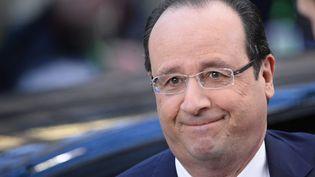 François Hollande à son arrivée au sommet européen sur la Défense à Bruxelles (Belgique), le 20 décembre 2013. (LIONEL BONAVENTURE / AFP)