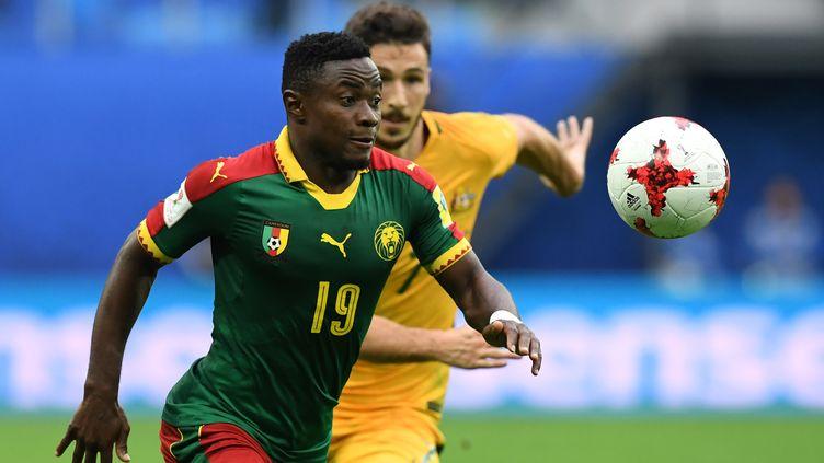 À l'image de ce duel entre le Camerounais Collins Fai (à g.) et l'Australien Mathew Leckie, personne n'a pris le dessus lors de cette rencontre de la Coupe des Confédérations 2017.  (KIRILL KUDRYAVTSEV / AFP)