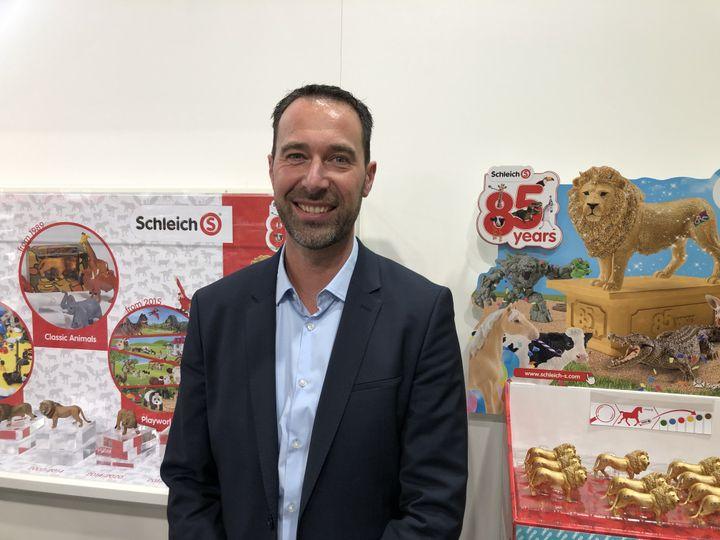 Alexandre Pratlong, directeur général pour la France du fabricant allemand Schleich, ausalon du jouet à Nuremberg (Allemagne), en janvier 2020. (LUDOVIC PIEDTENU / RADIO FRANCE)