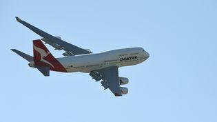 Le Boeing de la compagnie Qantas a relié l'Australie et la Grande-Bretagne en 17 heures, sans arrêt. (WILLIAM WEST / AFP)