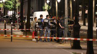 La police intervientaprès une attaque au couteau dans le 19e arrondissement de Paris, le 9 septembre 2018. (ZAKARIA ABDELKAFI / AFP)