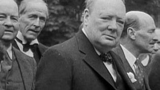 Grand chef d'État britannique, Winston Churchill était animé par une grande passion : la peinture. Il a peint 537 tableaux dont une toile bientôt vendue aux enchères à Londres (Royaume-Uni) pour près de 2,8 millions d'euros. (France 2)