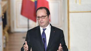Le président de la République François Hollande le 20 décembre 2016 à l'Elysée à Paris. (ALAIN JOCARD / AFP)