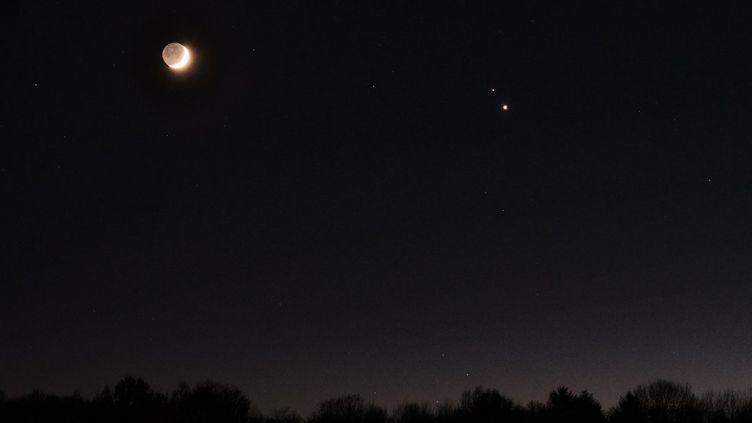 Pour la premiere fois depuis le XVIIeme siecle, Jupiter et Saturne apparaîtront très proches dans le ciel, vues depuis la Terre. (QUENTIN SAISON / HANS LUCAS)