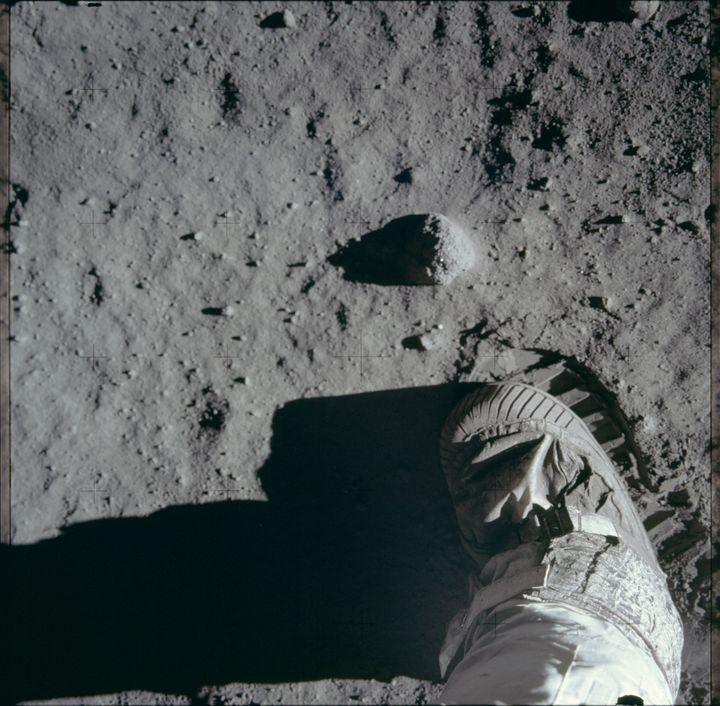 L'empreinte de pied d'un astronaute américain, le 20 juillet 1969, sur la Lune. (PROJECT APOLLO ARCHIVE / FLICKR)