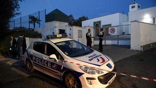 La moquée de Bayonne où deux hommes ont été blessés par balles, le 28 octobre 2019. (GAIZKA IROZ / AFP)