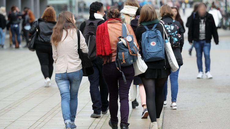 Des étudiants sur le campus de Strasbourg. Image d'illustration. (MAXPPP)