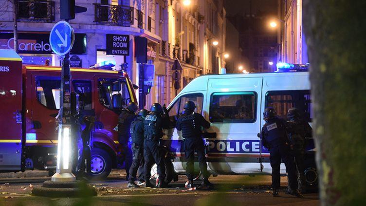 (Les forces de police vendredi soir à Paris. © Maxppp)