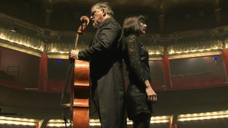 """Laurent Cirade et Nathalie Miravette dans """"Duel opus 3"""" au théâtre de la Gaité Montparnasse.  (France 3 / Culturebox)"""
