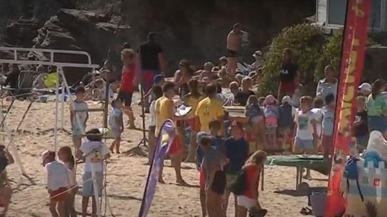 8 millions de Français partent en vacances les deux dernières semaines du mois d'août. (FRANCE 3)
