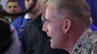 Aux États-Unis, le discours d'un général de l'armée de l'air fait beaucoup parler. Après avoir découvert des tags racistes, il a convoqué l'ensemble des élèves de son école pour revendiquer la diversité dans l'armée et condamner ce type de comportement. (France 3)