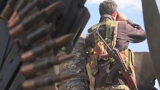 Rafales de tirs, bombardements... Les forces arabo-kurdes, soutenues par les forces de la coalition, ont déversé un déluge de feu sur les dernières positions tenues par le groupe terroriste. (FRANCE 2)