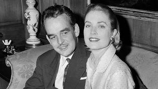 Grace Kelly et Rainier III de Monaco en janvier 1956, quelques mois avant leur mariage  (AP/SIPA)