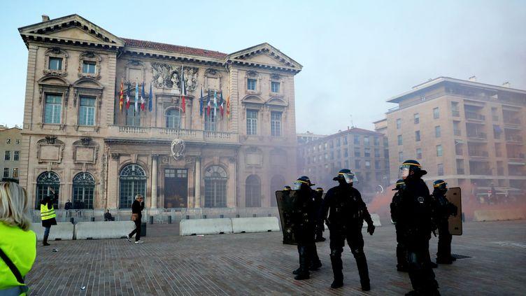"""Une manifestation de """"gilets jaunes"""" à Marseille (Bouches-du-Rhône), le 1er décembre 2018. (MAXPPP)"""