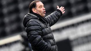 L'entraîneur du SCO d'Angers, Stéphane Moulin, le 14 février 2021 à Angers (Maine-et-Loire). (JEAN-FRANCOIS MONIER / AFP)