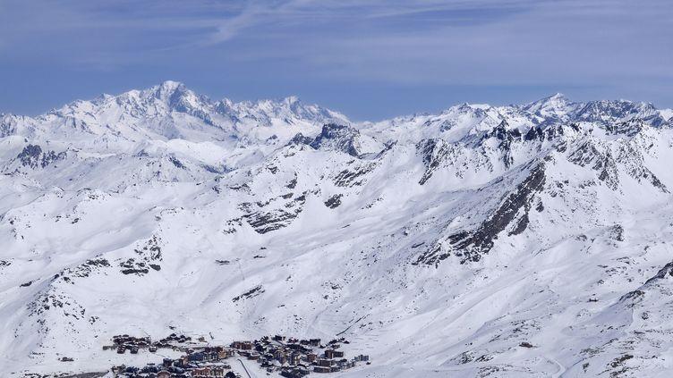 Un skieur est mort dimanche 29 décembre après une chute sur les pistes de Val Thorens (Savoie). (TRIPELON-JARRY / ONLY FRANCE / AFP)