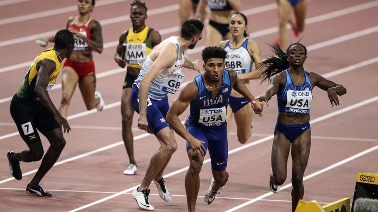 Le relais mixte 4x400 mètres est une des six nouvelles épreuves mixtes à avoir lieu aux Jeux olympiques. (Serhat Cagdas / Anadolu Agency via AFP)