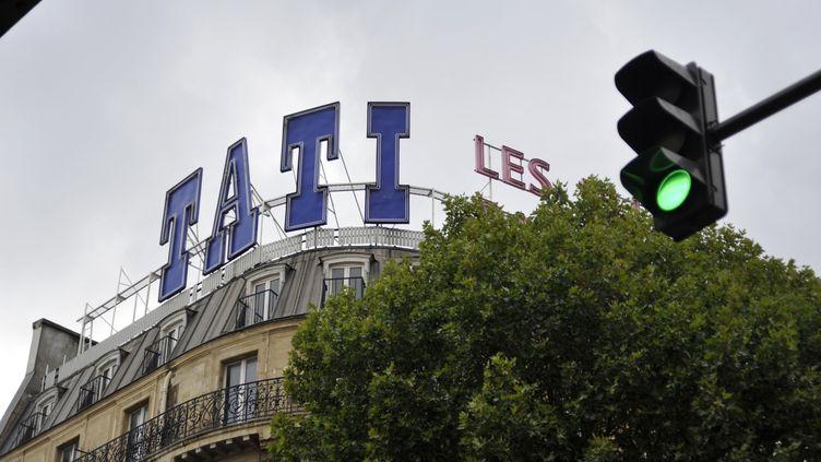 L'enseigne du magasin Tati, boulevard de Rochechouard, à Paris, le 24 octobre 2017. (SERGE ATTAL / ONLY FRANCE / AFP)
