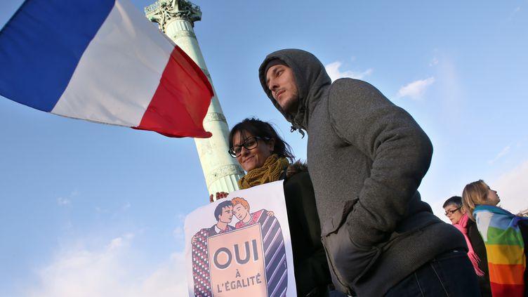 Des partisans du mariage pour tous, place de la Bastille à Paris, le 27 janvier 2013. (THOMAS SAMSON / AFP)