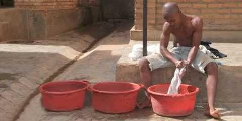 Travailleur domestique dans une famille de Bujumbura au Burundi (Capture d'écran du site Iday International)