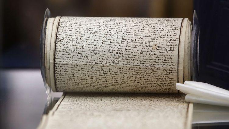 """Le manuscrit des """"120 Journées de Sodome"""" du Marquis de Sade est l'un des lots phare de la vente du fonds Aristophil.  ( Thibault Camus/AP/SIPA)"""