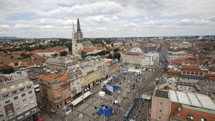 Zagreb avec une vue de la place Bana Jelacica et de la cathédrale. (BLOOMBERG / GETTY IMAGES)