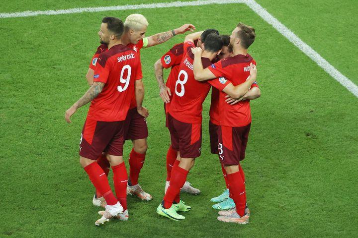 Les Suisses pendant leur rencontre face à la Turquie (3-1), dimanche 20 juin, à Bakou. (ORANGE PICTURES / ORANGE PICTURES / AFP)