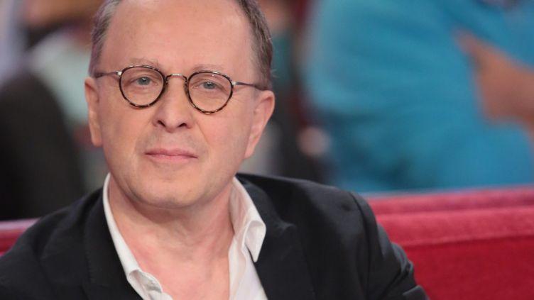 """François Margolin, en mars 2015, sur le plateau de l'émission """"Vivement Dimanche"""" sur France 2.   (maxpeopleworld863524)"""