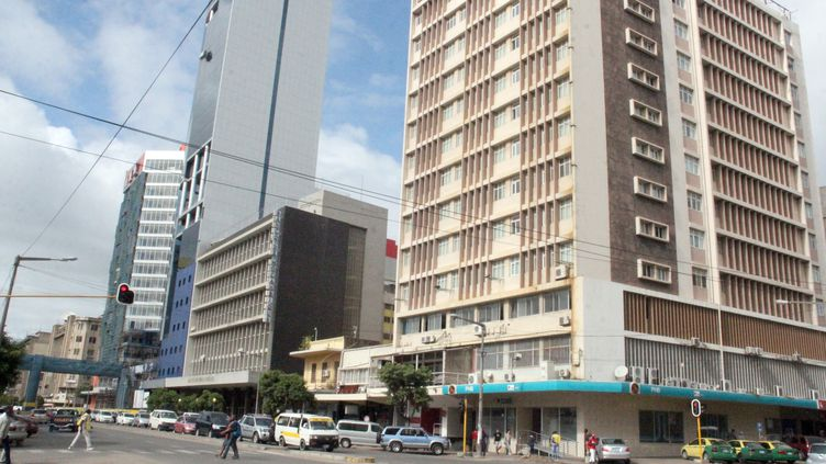 Dans le centre de Maputo, capitale du Mozambique, le 21 mai 2016. (AFP - JERONIMO MUIANGA / DPA)