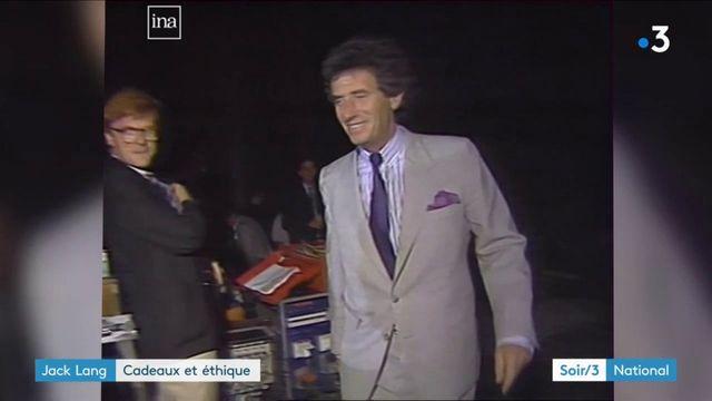 Jack Lang dans l'œil du cyclone après s'être fait offrir près de 200 000 euros de costume