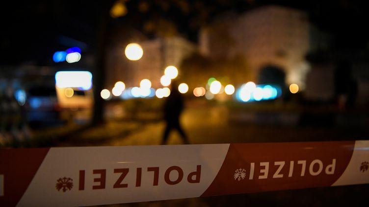 """Le groupe terroriste Etat islamiquea affirmé, le 3novembre 2020, que l'attaque avaitété perpétrée par un""""soldat du califat"""".  (RADOVAN STOKLASA / REUTERS)"""