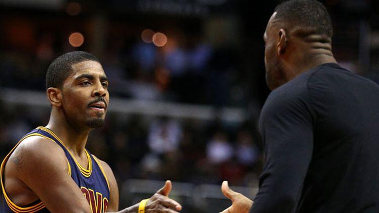 Kyrie Irving et LeBron James, les deux joueurs de Cleveland