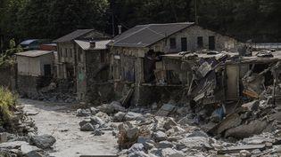 Des maisons dévastées par les intempéries dans la vallée de la Roya (Alpes-Maritimes), le 7 octobre 2020. (CHRISTOPHE SIMON / AFP)