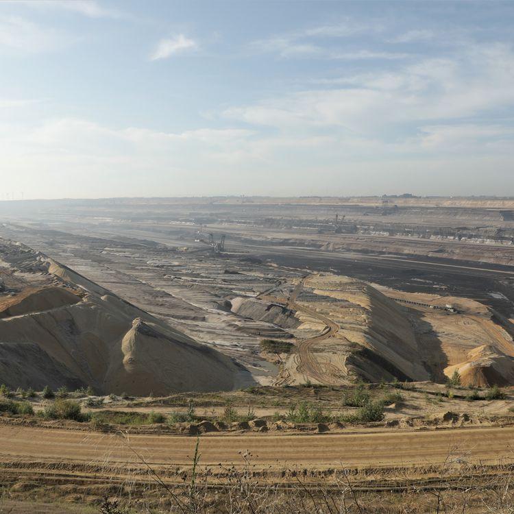 La mine de lignite à ciel ouvert de Garzweiler, en Rhénanie du Nord-Westphalie (Allemagne), le 14 septembre 2021. (VALENTINE PASQUESOONE / FRANCEINFO)