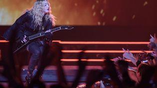 La chanteuse américaine Madonna donne un concert à Berlin (Allemagne), le 10 novembre 2015. (RAINER JENSEN / DPA / AFP)