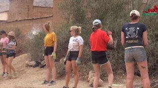 Des bénévoles belges sur un chantier au Maroc, le 3 août 2019. (YOUTUBE)