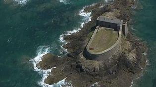 Saint-Malo : les forts de Vauban sauvés de l'usure du temps par des passionnés (FRANCE 3)