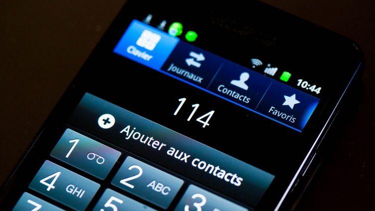 """Capture d'écran d'un téléphone s'apprêtant à envoyer un message au numéro d'urgence """"114"""", le 30 mai 2012. (GARO / PHANIE)"""