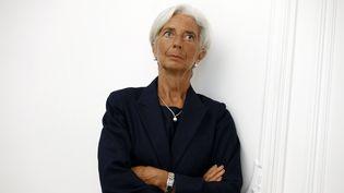 La directrice du Fonds monétaire international, Christine Lagarde, pose lors d'une conférence de presse à Paris, le 27 août 2014. (THOMAS SAMSON / AFP)