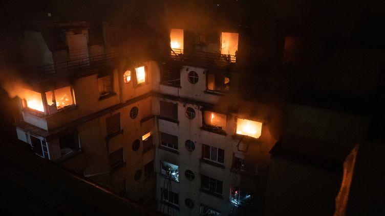 L'incendie rue Erlanger à Paris a fait au moins 10 morts, le 5 février 2019. (BENOÎT MOSER)